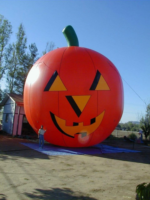 Holiday Inflatables pumpkin 30'